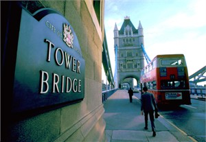 "Gerald Brimacombe Handsigned and Numbered Limited Edition Giclee on Paper:""London - Tower Bridge"""